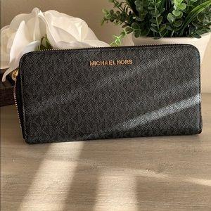 Michael Kors Large continental wallet
